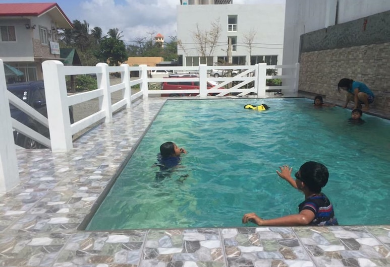 Lee Yon's Oceanfront Inn, Baler, Outdoor Pool