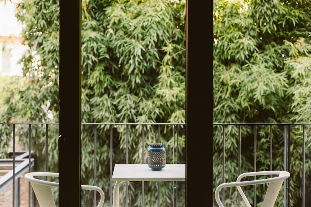 Стандартный двухместный номер с 1 двуспальной кроватью, балкон - Балкон