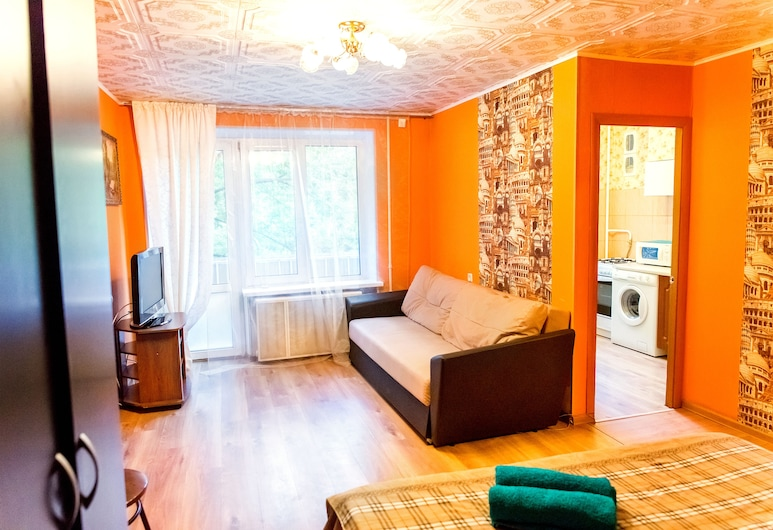 Apartment on Chernogryazskoy, Moscow, Living Area