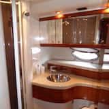Yacht - Baño