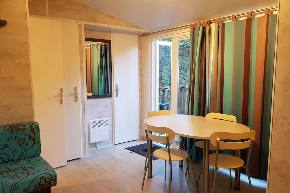 Mobile Home (Phoenix) - In-Room Dining