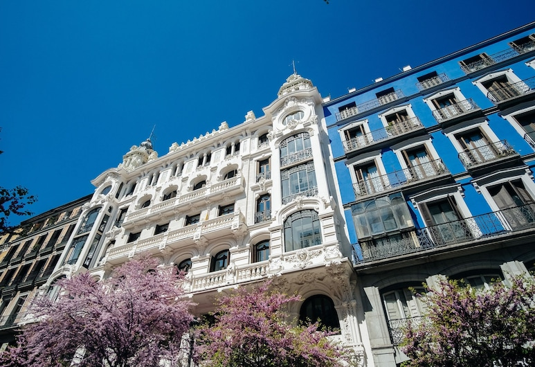 CALLE MAYOR Apartment, Madrid, Front of property