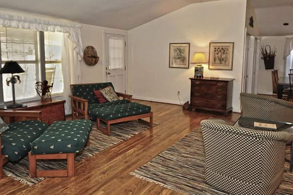 Standard Κατάλυμα σε Αγροικία, 3 Υπνοδωμάτια, 2 Μπάνια (The Garden House) - Καθιστικό