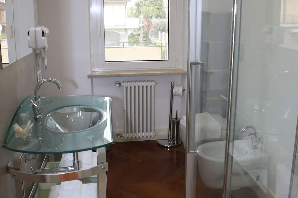 Suite - 2 soveværelser - udsigt til have (Chardonnay) - Badeværelse