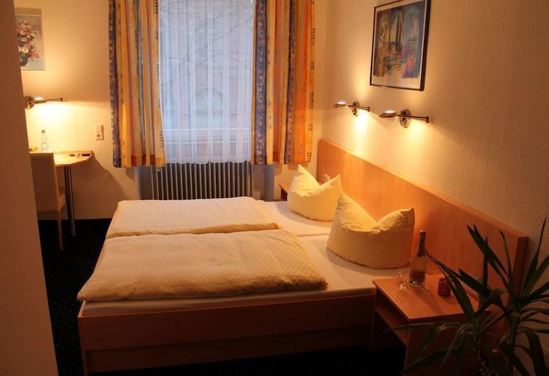 Hotel Adlerhof, Tauberbischofsheim, Double Room, Guest Room