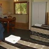 Bush Retreat, 1 Bedroom - In-Room Dining