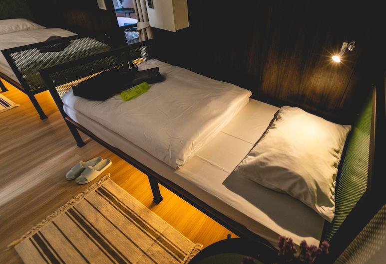 ポスト ファクトリー ベッド & ブレックファースト サトーン, バンコク, スタンダード 4 人部屋, 部屋