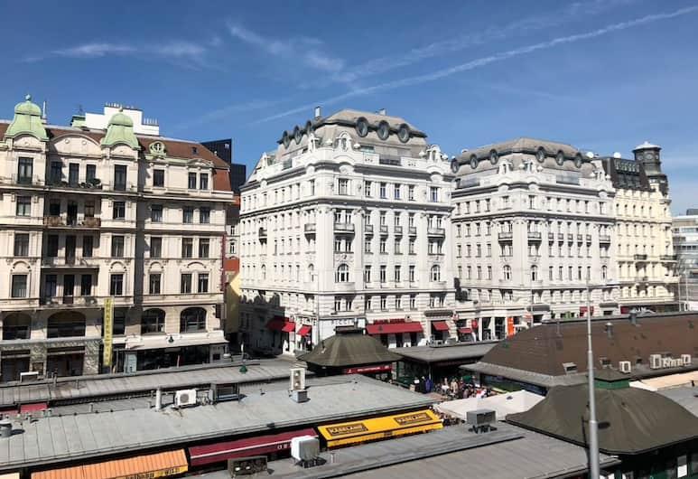 Lovely Apartment directly at Naschmarkt, Vienna