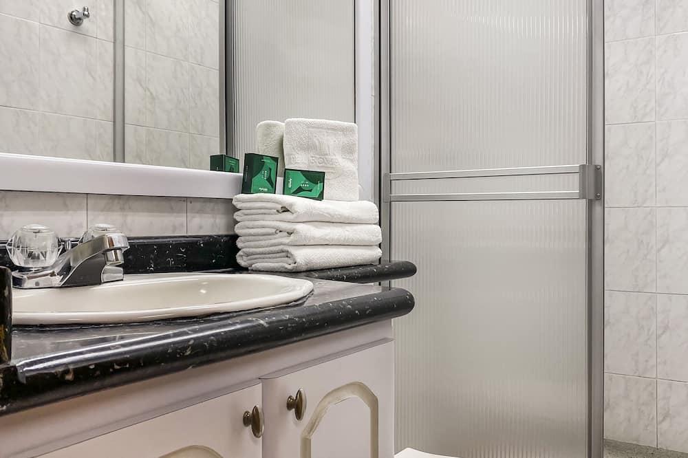 Standardna trokrevetna soba - Kupaonica