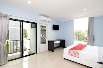 Picture of OYO 246 Green Mind Residence in Bangkok