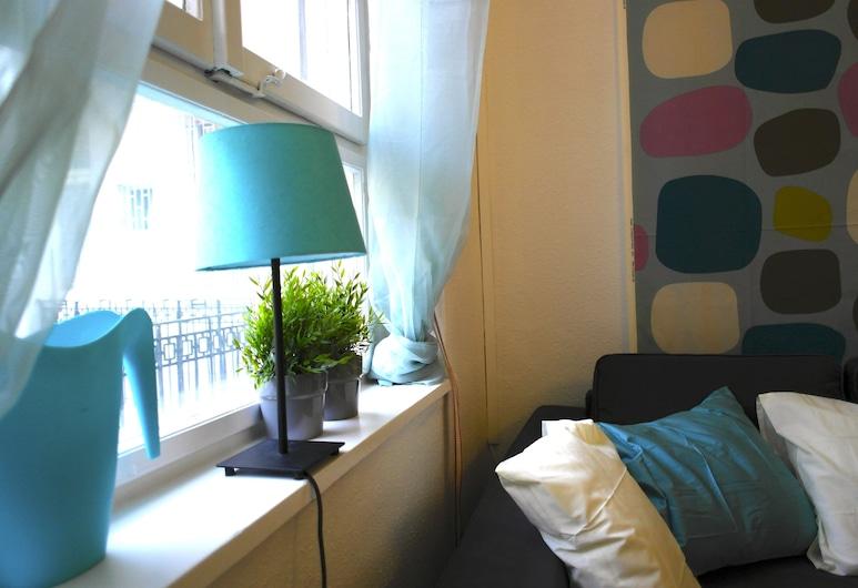 Budget Apartment by Hi5 - József Attila 18., Budapest, Apartment, 1 Bedroom, Living Area