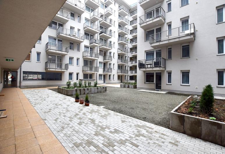Standard Apartment by Hi5 - Garay, Budapešť, Dvor