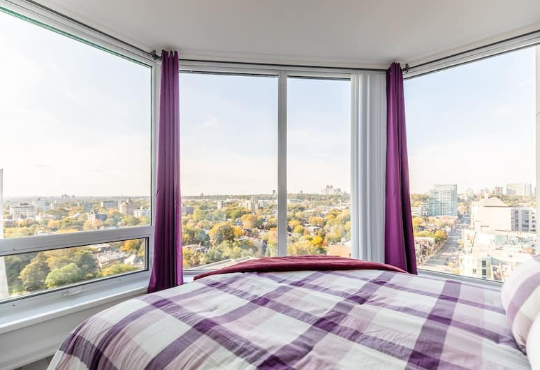 Simply Comfort Charming Yorkville Condos, Toronto, Family Apartment, 1 Bedroom, Kitchen, View from room