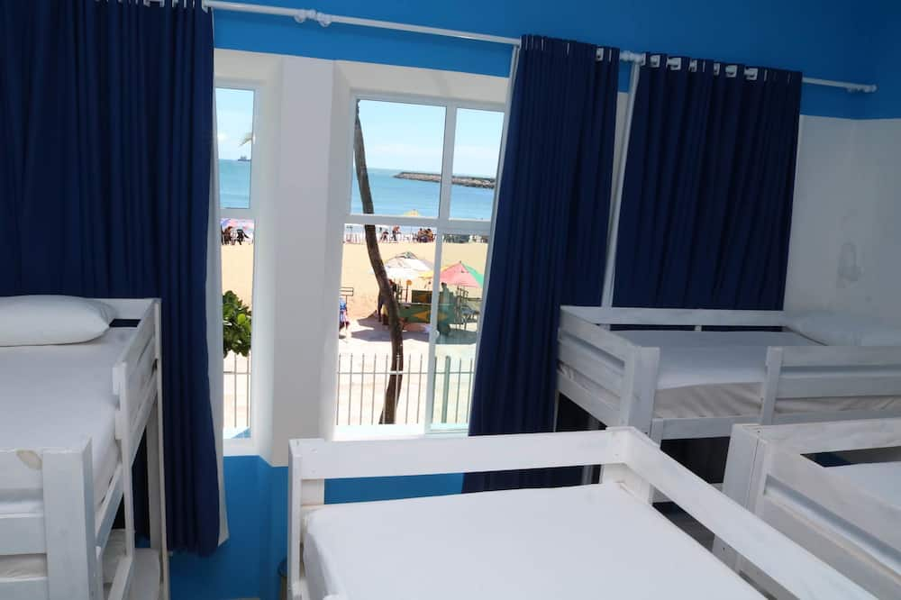 Shared Dormitory, Women only, Private Bathroom, Sea View (Tremembes) - Guest Room