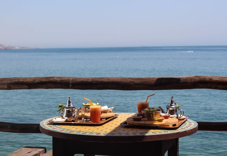 aftas surf house, Taghazout, Presidential Apartment, 1 Bedroom, Sea View, Beachfront, Terrace/Patio
