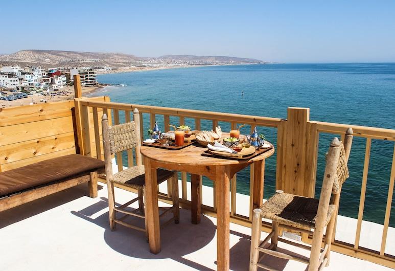 aftas surf house, Taghazout, Economy Apartment, 1 Bedroom, Beachfront, Teres/Laman Dalam