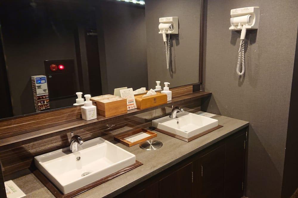 Cabane Économique - Salle de bain