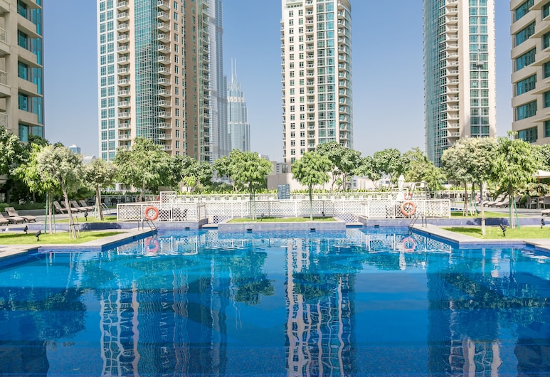 Driven Holiday Homes - 29 Boulevard, Dubai, Pool
