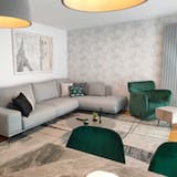 Apartment, 4 Bedrooms - Living Room