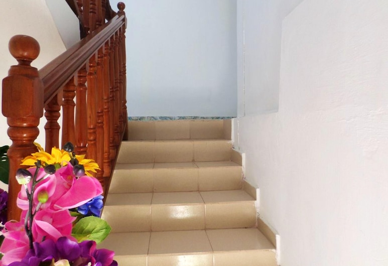 Apartment With 3 Bedrooms in Calodyne, With Enclosed Garden and Wifi, Calodyne, Entrada del alojamiento