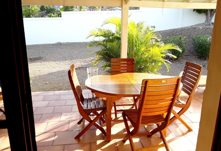 Villa With 3 Bedrooms in Saint Martin, With Wonderful sea View, Private Pool, Enclosed Garden - 2 km From the Beach, מפרץ אוריינט, מרפסת/פטיו