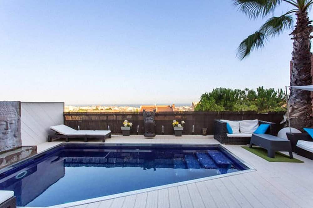 Villa With 4 Bedrooms in Badalona, With Wonderful sea View, Private Pool, Furnished Terrace - 3 km From the Beach