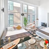 Apartment, 1 Bedroom (Duplex Downtown 404) - Room