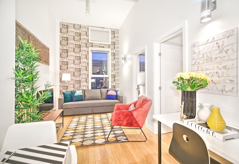 The Main 307 Central Modern 2BR Liv MTL, Montreal