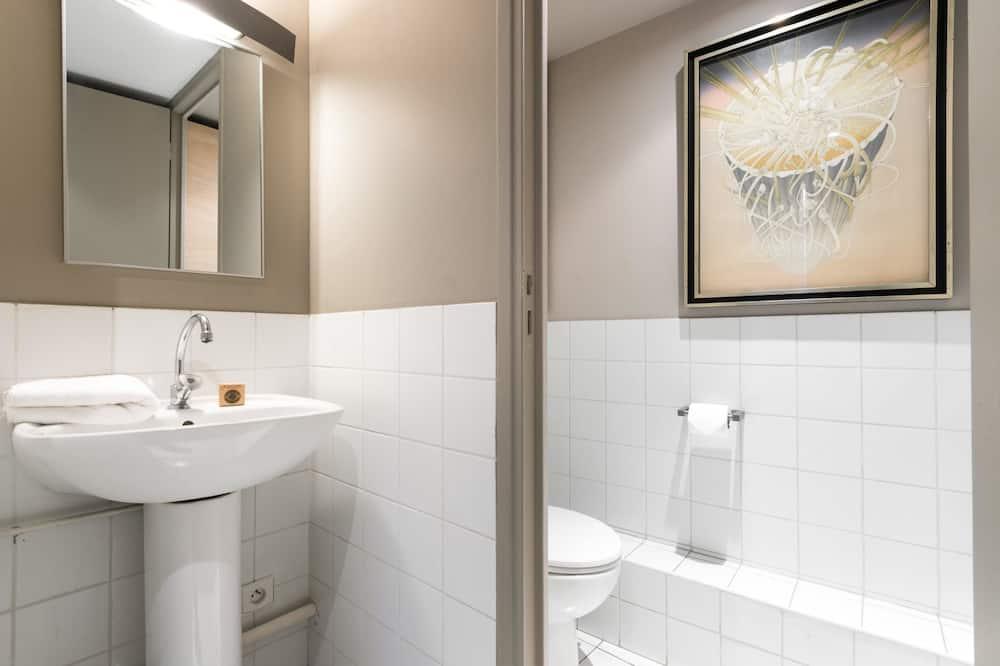 شقة (2 Bedrooms) - حمّام