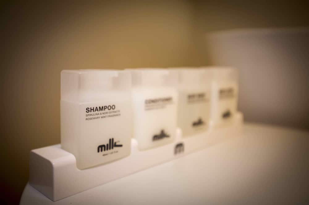 Cottage (3 Kings and a Queen, Kings can be split) - Bathroom Amenities