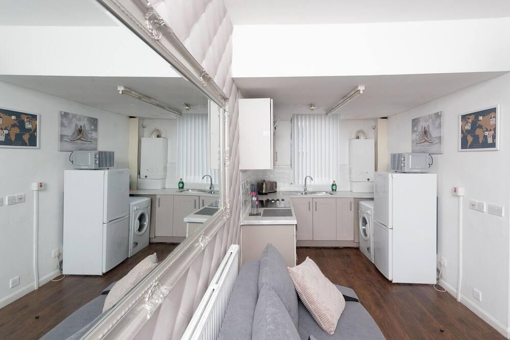 อพาร์ทเมนท์, ห้องน้ำส่วนตัว (One Bedroom) - เลานจ์