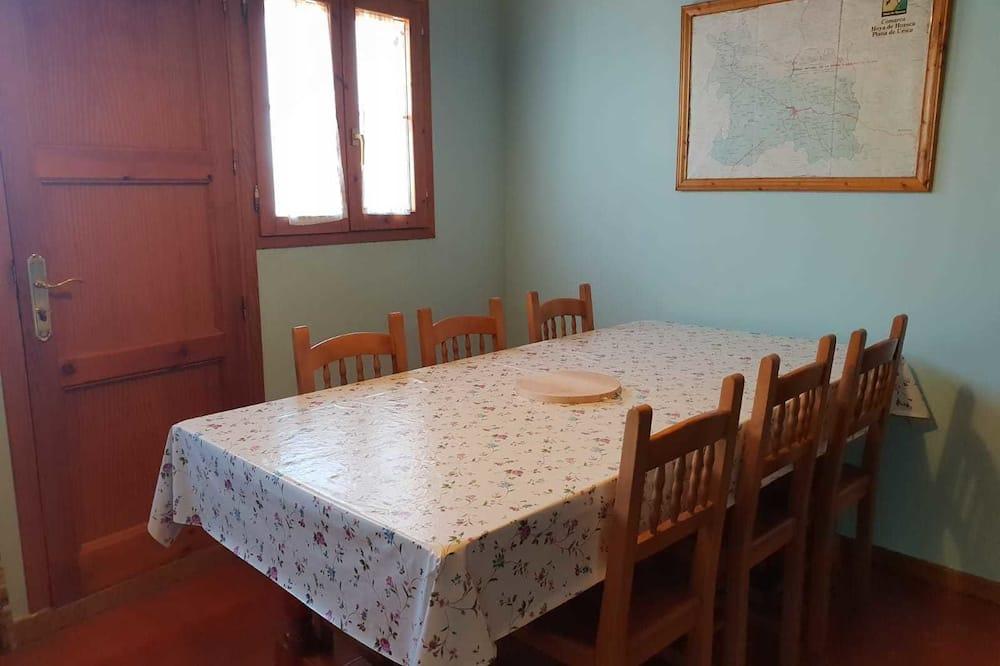 בית, 5 חדרי שינה, טרסה - אזור אוכל בחדר