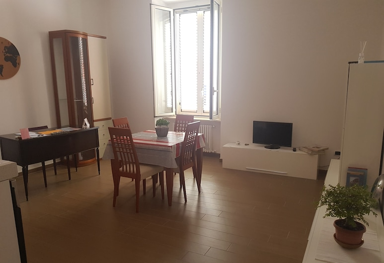 Bibi's Home, Naples