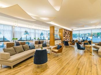 南京、アトゥール ホテル ジューシャン ロード サブウェイ ステーション (南京竹山路地鉄駅亜朶酒店)の写真