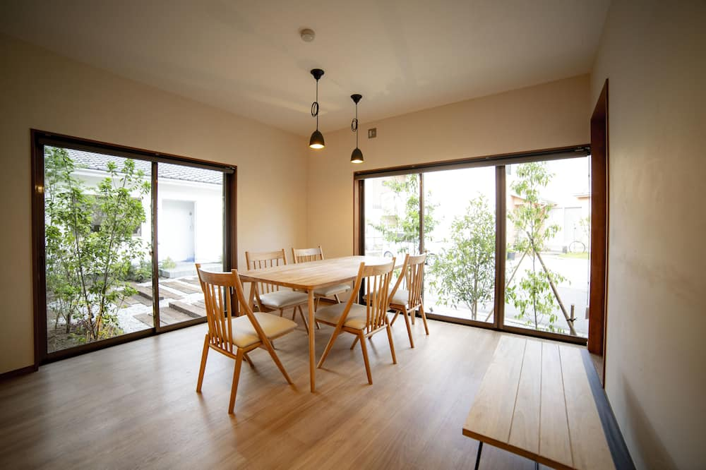 Deluxe Family Suite, FUTABA, For 7 People - Living Room