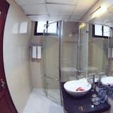 Двомісний номер категорії «Джуніор» (2 односпальних ліжка) - Ванна кімната