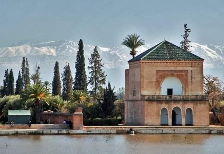 Riad Dar Lfonoun, Marrakech, Deluxe Triple Room, Guest Room