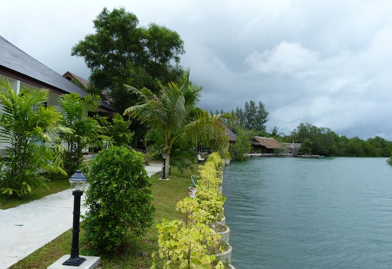 Chaiyo Resort, Wichit, Property Grounds