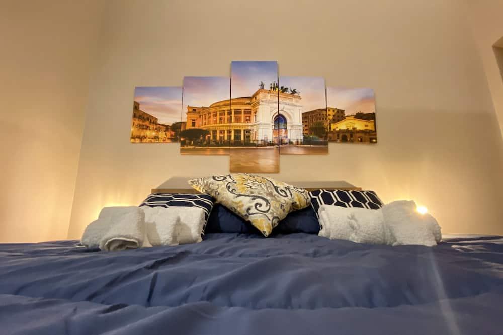 Habitación doble Confort, 1 cama Queen size con sofá cama, cocina básica (2 Adults + 1 Child) - Imagen destacada