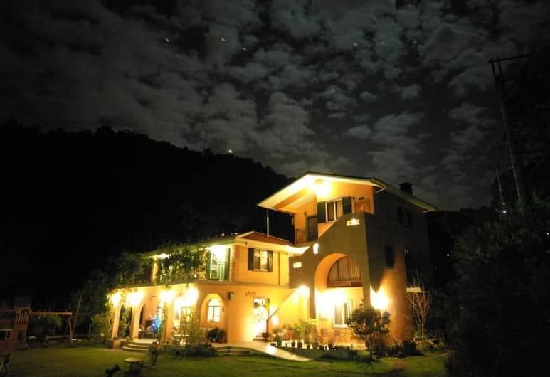 布拉姆索鄉村民宿, 埔里鎮, 飯店入口 - 夜景