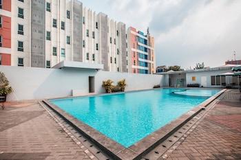 A(z) OYO Flagship 1170 Apartemen The Habitat hotel fényképe itt: Tangerang