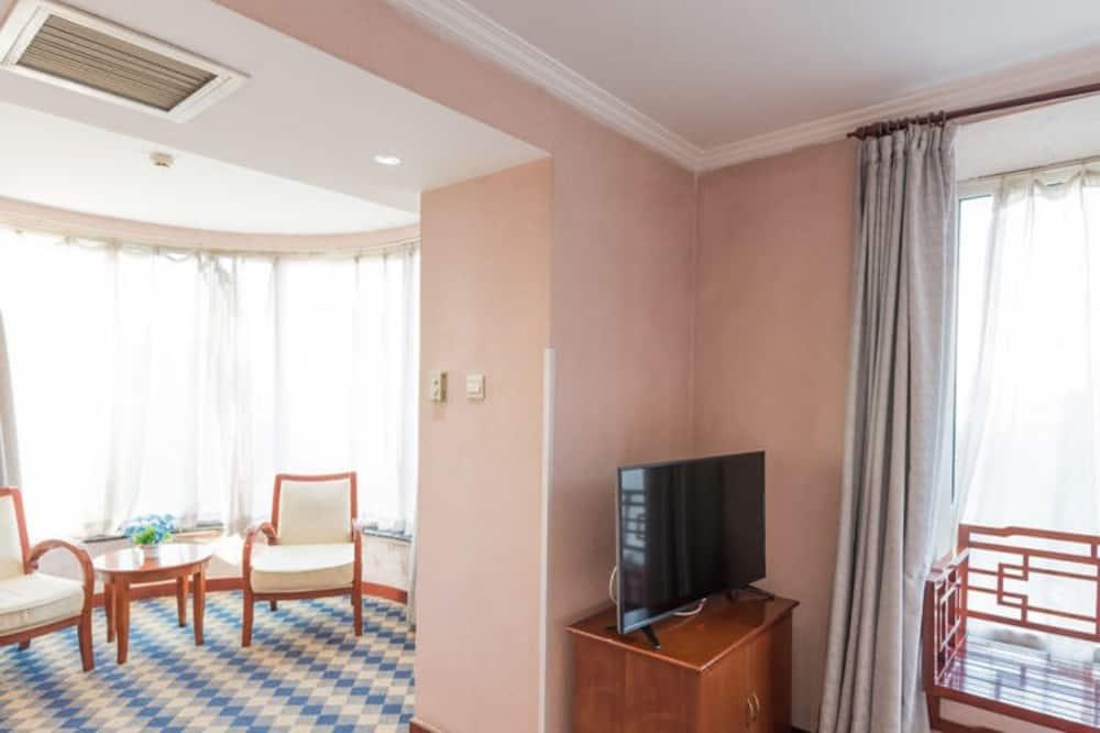 Triple Room - Living Area