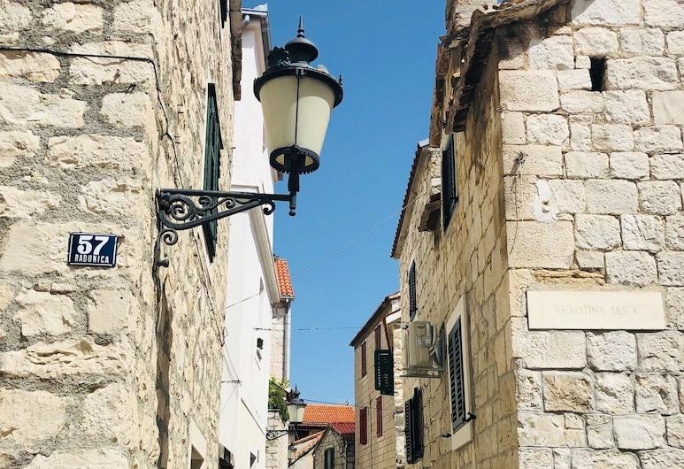 Peasants Palace, Split, Hotellets front