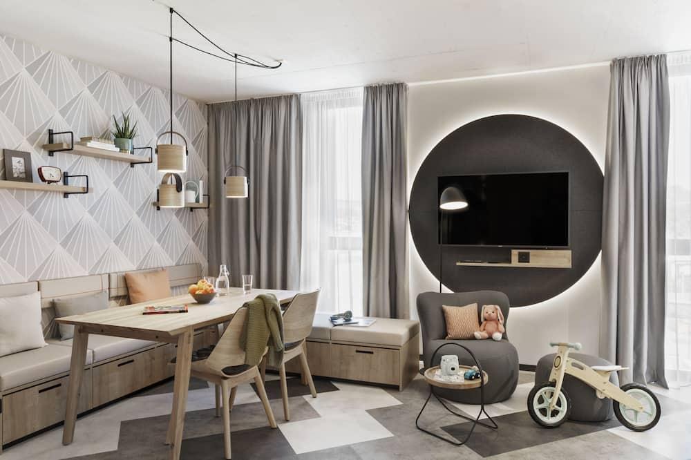 Family Studio -Kitchen & Washing Machine - Обед в номере