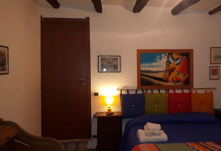 B&B Colori Di Bahlara', Palermo, Camera quadrupla, balcone, Camera