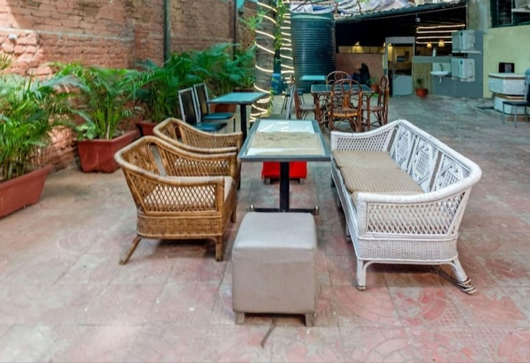 Hotel Arma Residency, Bombay, Yemek