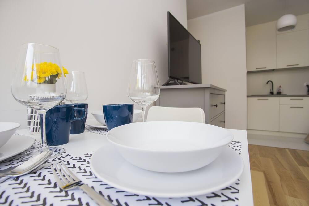 Comfort Apartment, 1 Bedroom, Kitchenette, Garden View - Living Area