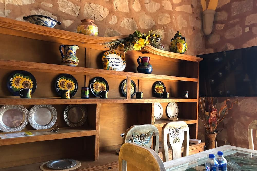Cabin, 3 Bedrooms - In-Room Dining