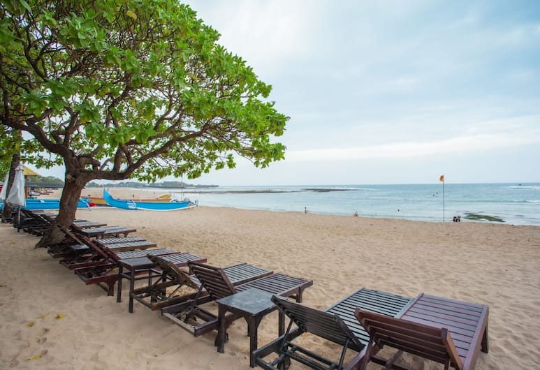 OYO 1215 Tree House Villa, Nusa Dua, Beach
