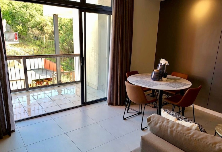 Luxury Apartment in Knysna, Nature Reserve View, Knysna, Luxury Apartment, 2 Bedrooms, Living Area